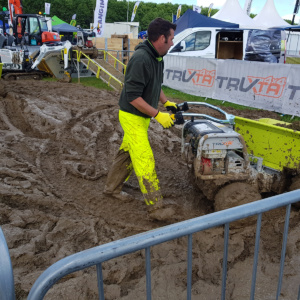 Truxta outperforms in mud
